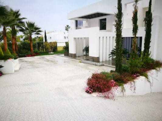 white granite marbella
